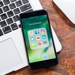 Twee op drie leidinggevenden vindt smartphone slecht voor productiviteit
