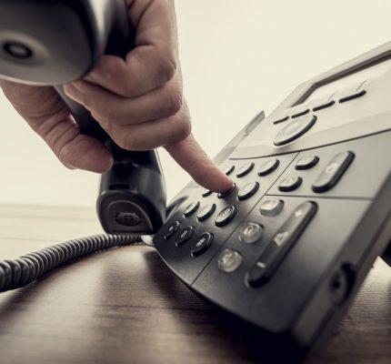 Nederlandse medewerkers staan klagende klanten het liefst telefonisch te woord