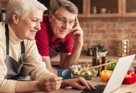 Binnenblijven door Coronavirus? Ouderen doen moeiteloos hun boodschappen via internet